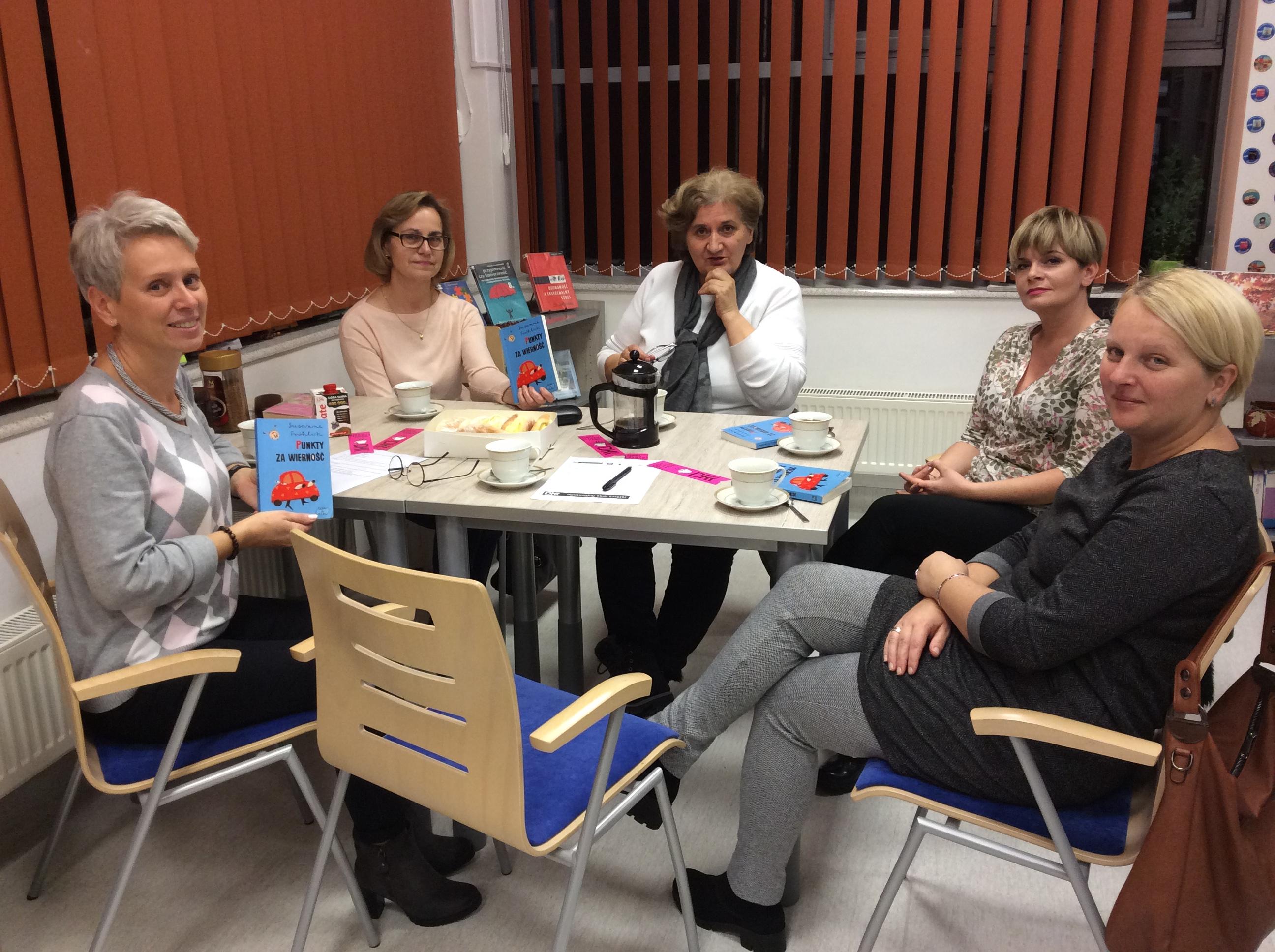 Od śmiechu po znużenie- dyskusja w DKK dla dorosłych
